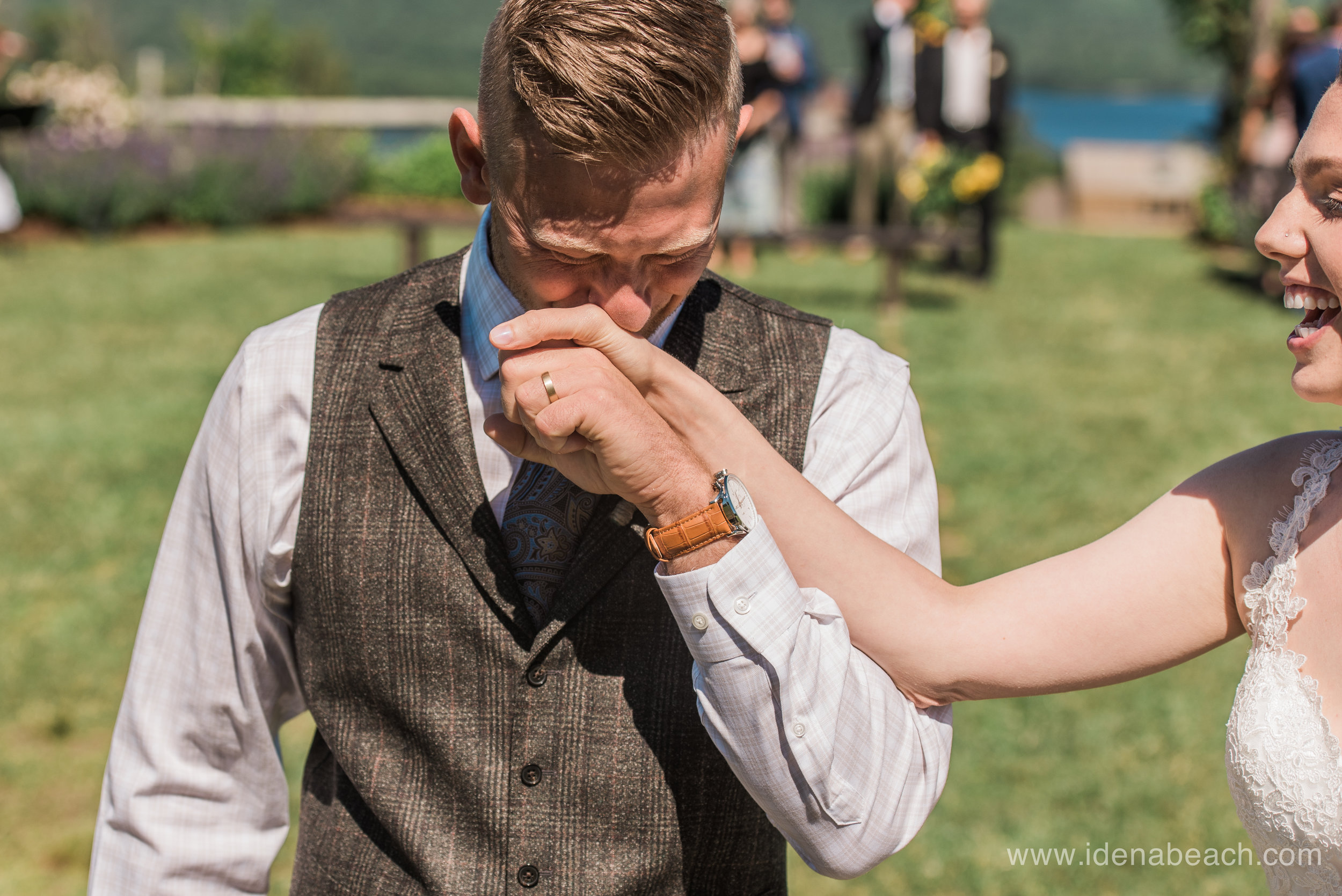 IdenaBeach-Vermont-Wedding-Photographer-Mountain-Top-Inn-44.jpg