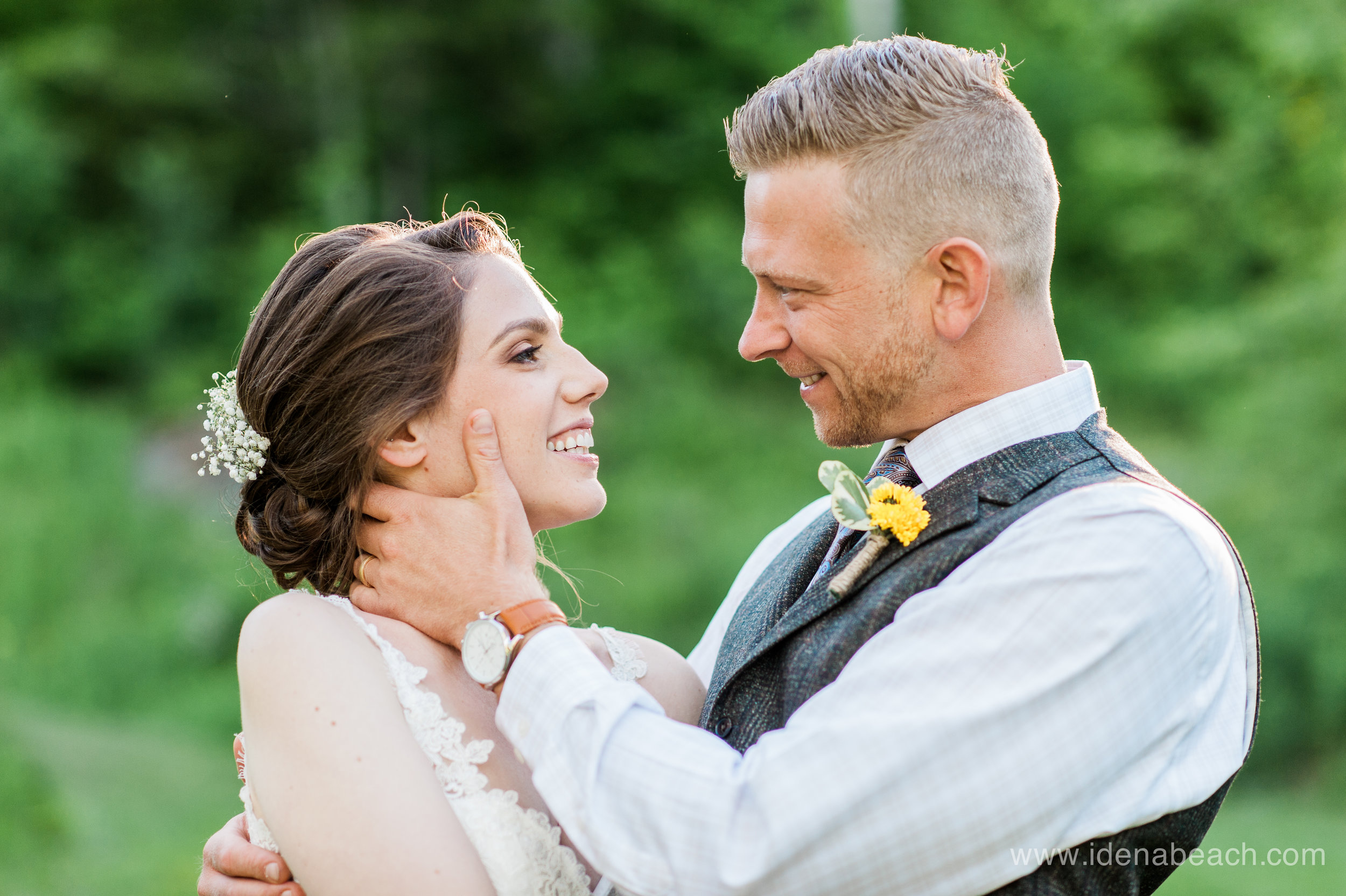 IdenaBeach-Vermont-Wedding-Photographer-Mountain-Top-Inn-105.jpg