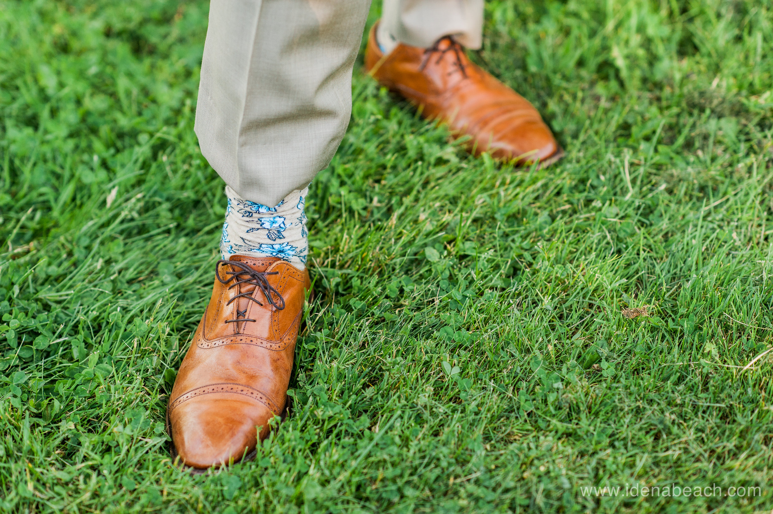 Stylish groom alert!