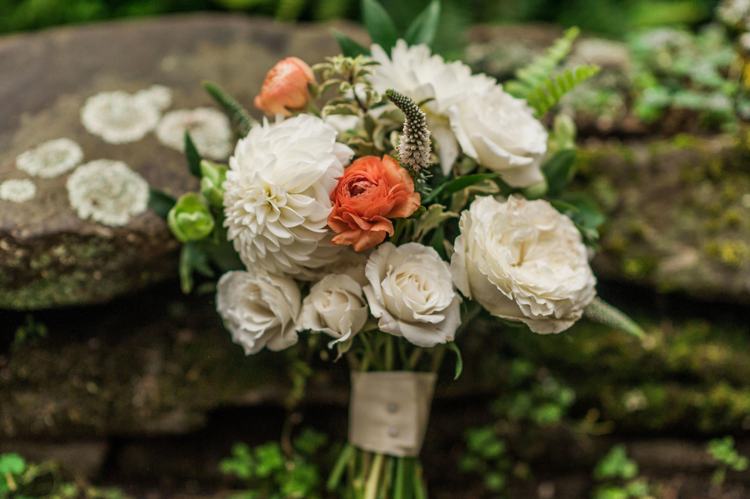 IdenaBeach-Vermont-Wedding-Photographer00027.jpg