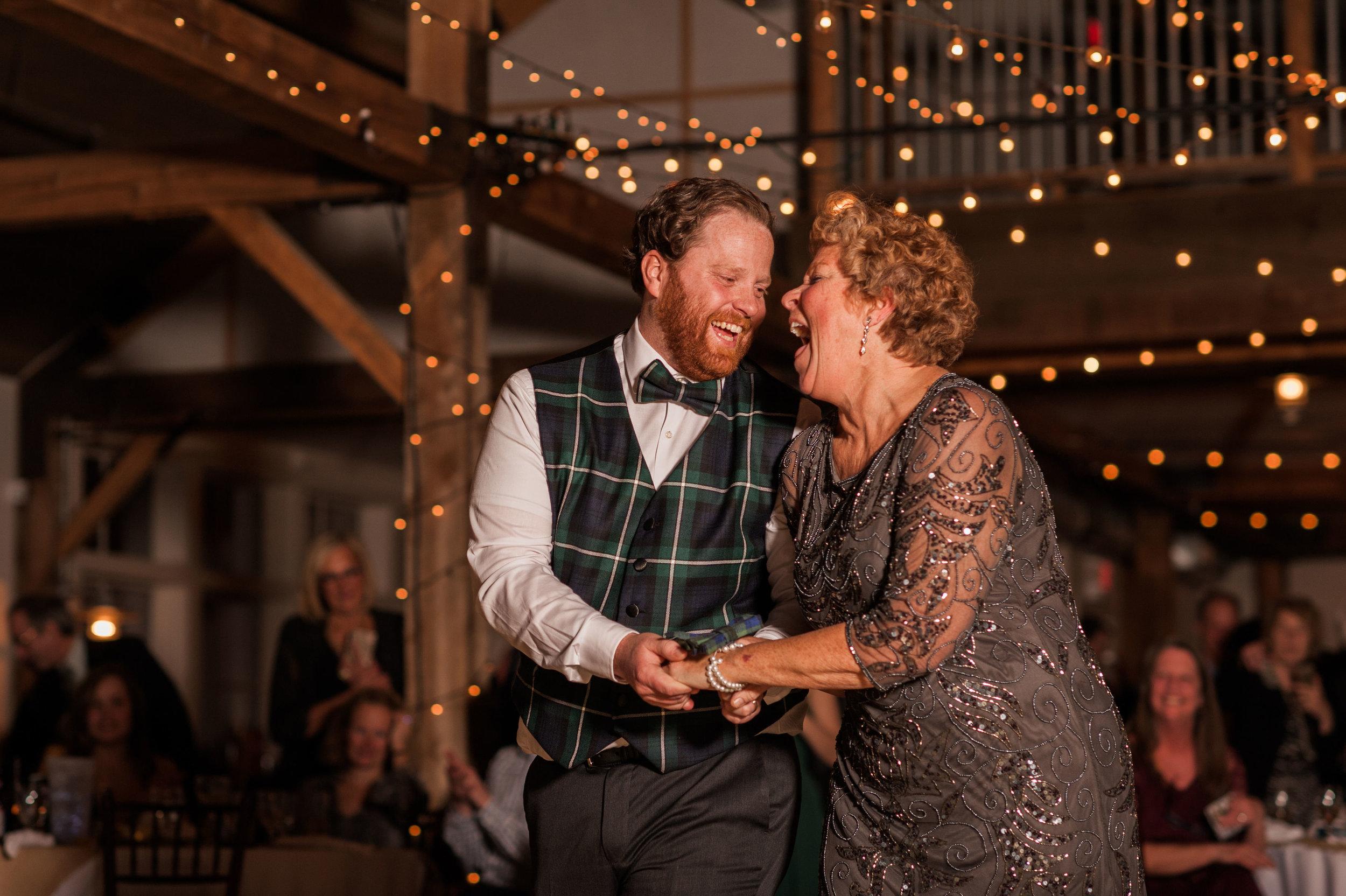 IdenaBeach-Vermont-Wedding-Photographer00151.jpg