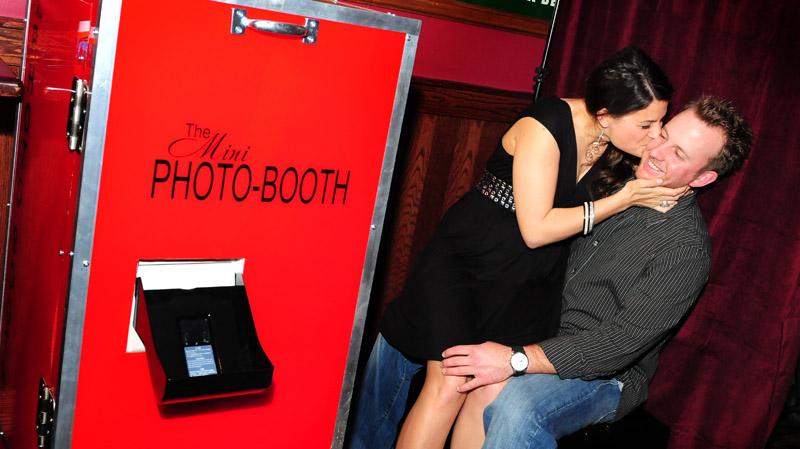 mini_booth2a.jpg