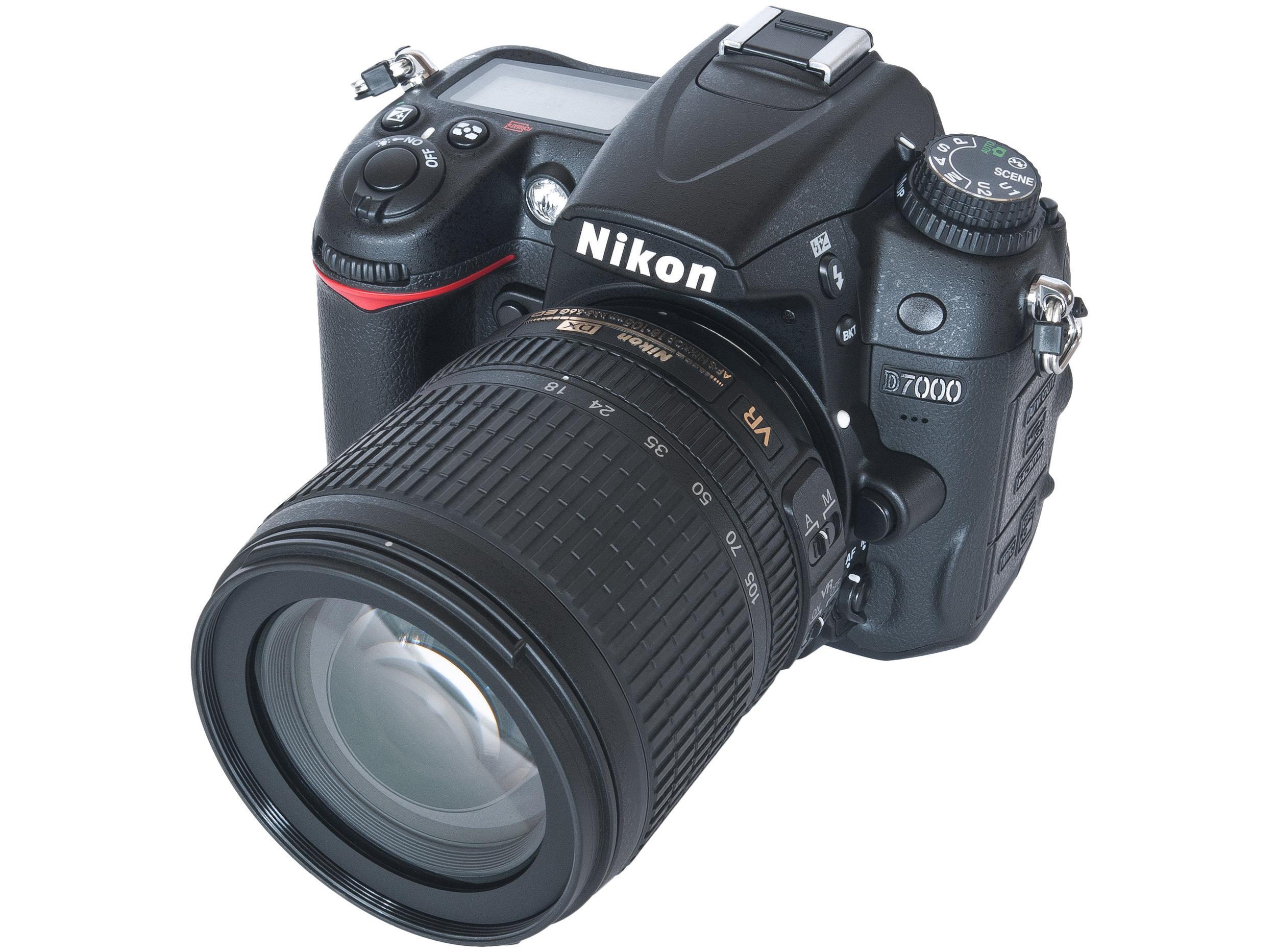 Nikon_D7000+18-105_Lens.jpg