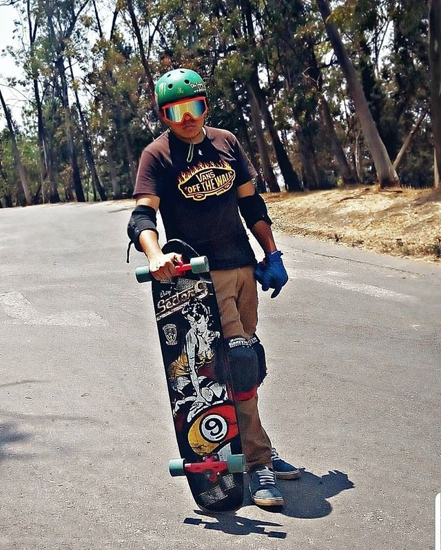 Anywhere you meet me guaranteed to go down. #longboard #downhill #yungjoc #itsgoindown @edd_s_guzman
