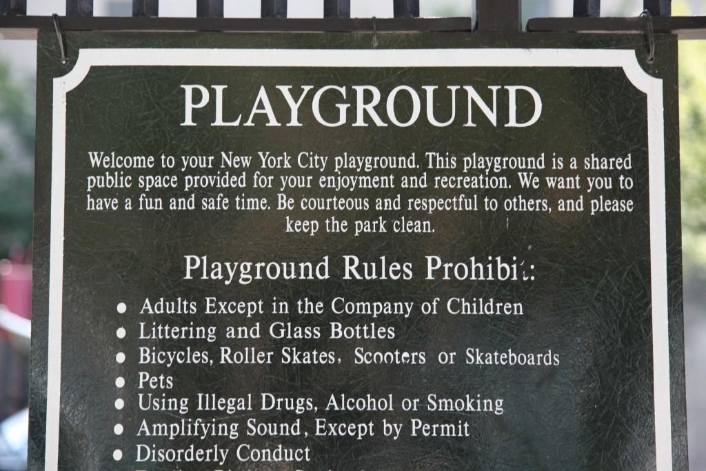 !Dean_St_playground_no_adult_sign.jpg