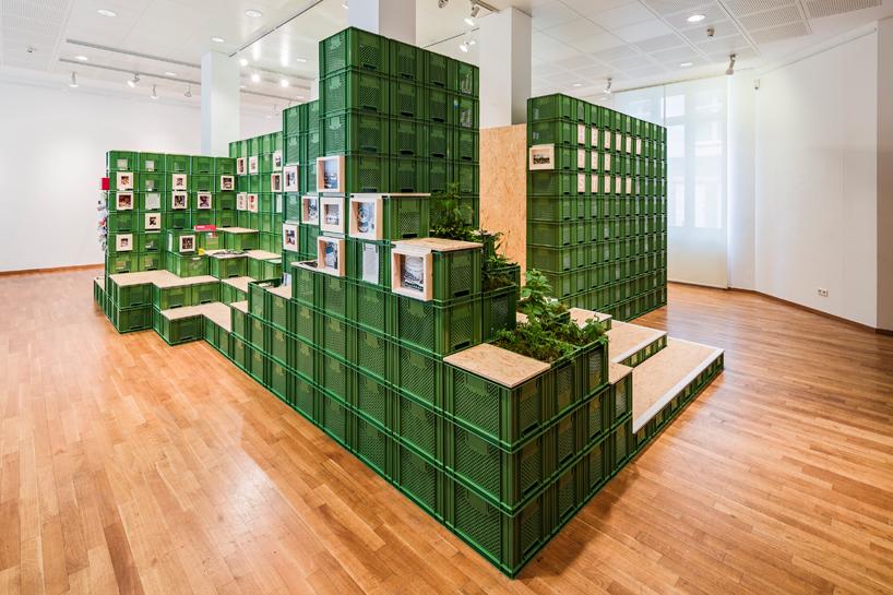yalla-yalla-exhibition-helden-der-stadt-germany-designboom-02.jpg