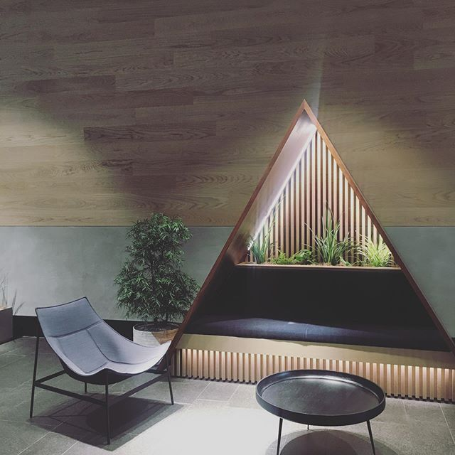 Been crushing hard on the design of @o_plus_a and then realized I had direct access to one of their most prized projects — the @slackhq on Howard. Wow is an understatement 🙌 #architecture #interiordesign #interiorarchitecture #workplacedesign #workplaceofthefuture