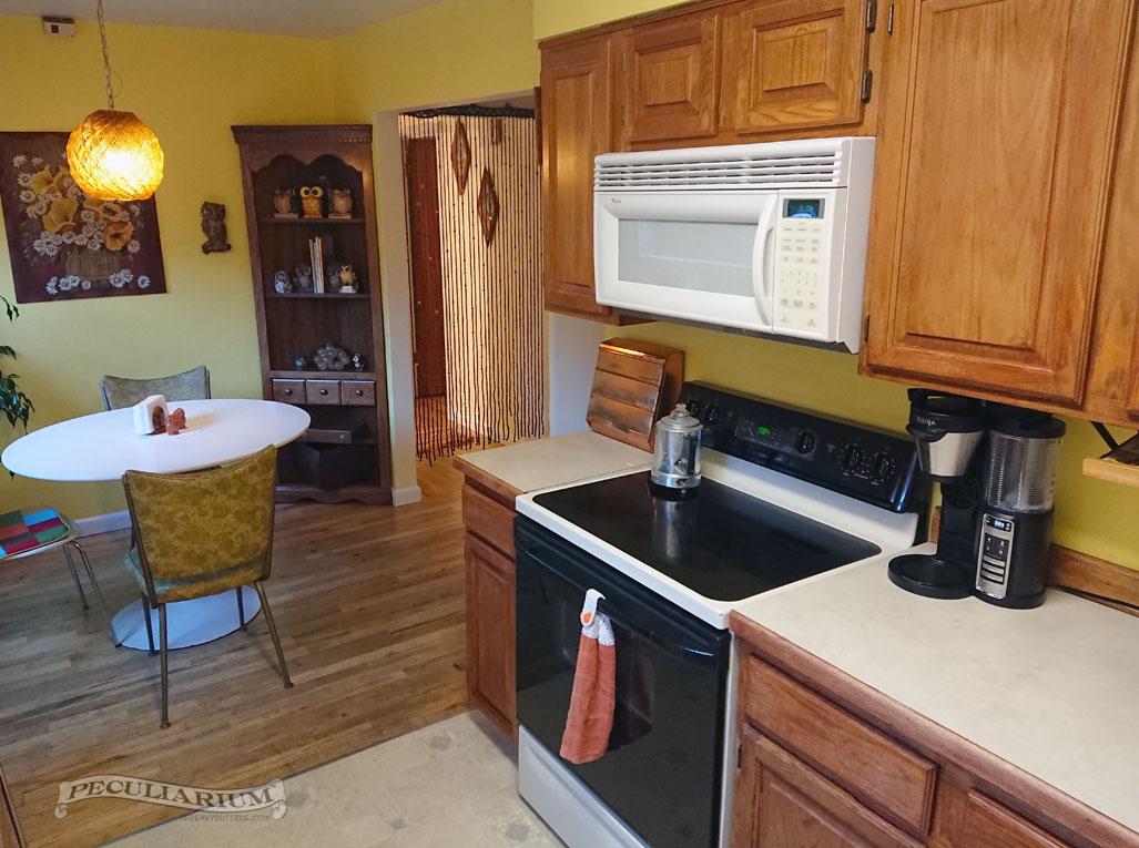 kitchen stove sm.jpg