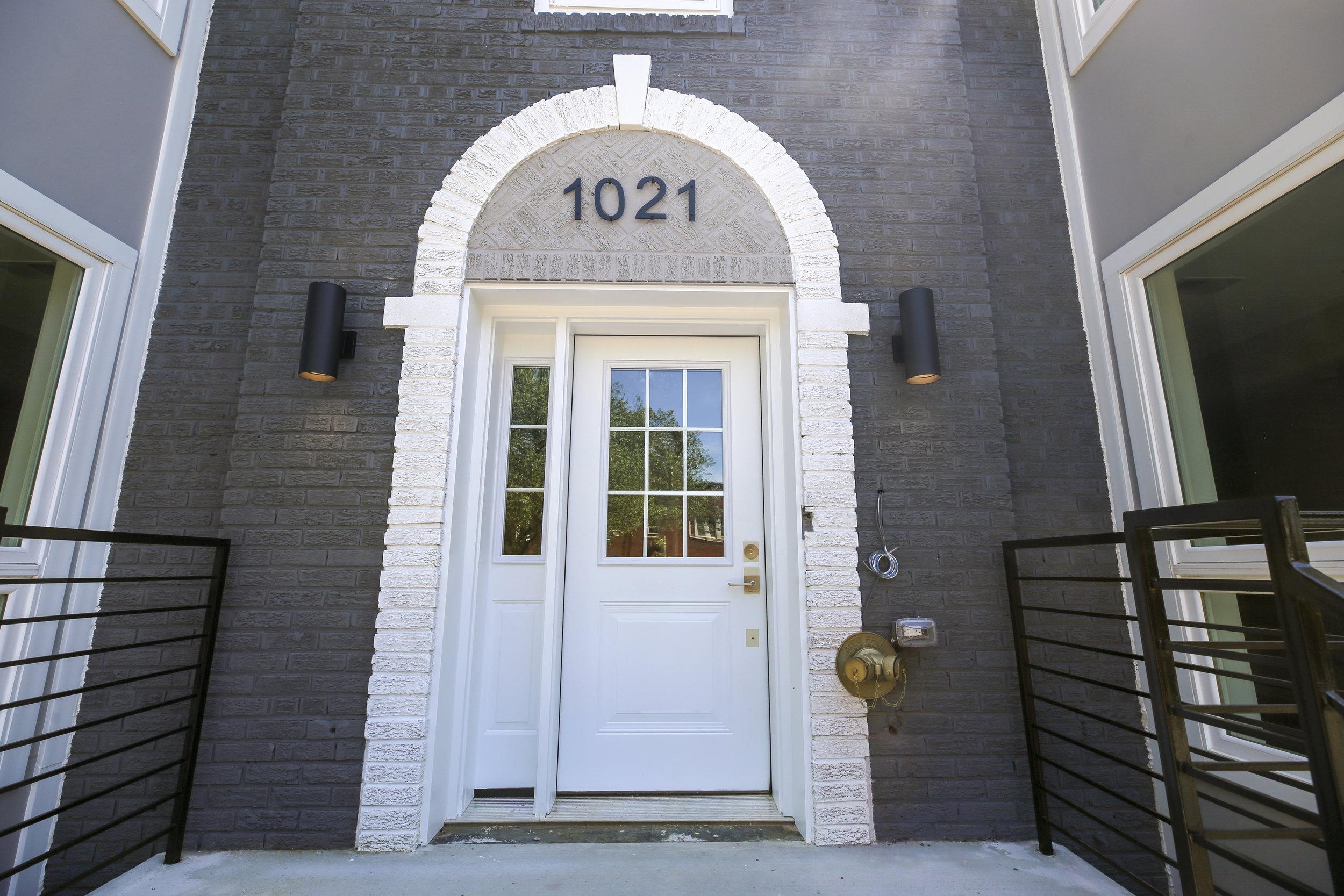 Exterior-1021 17th Street NE-IMG_0528.JPG
