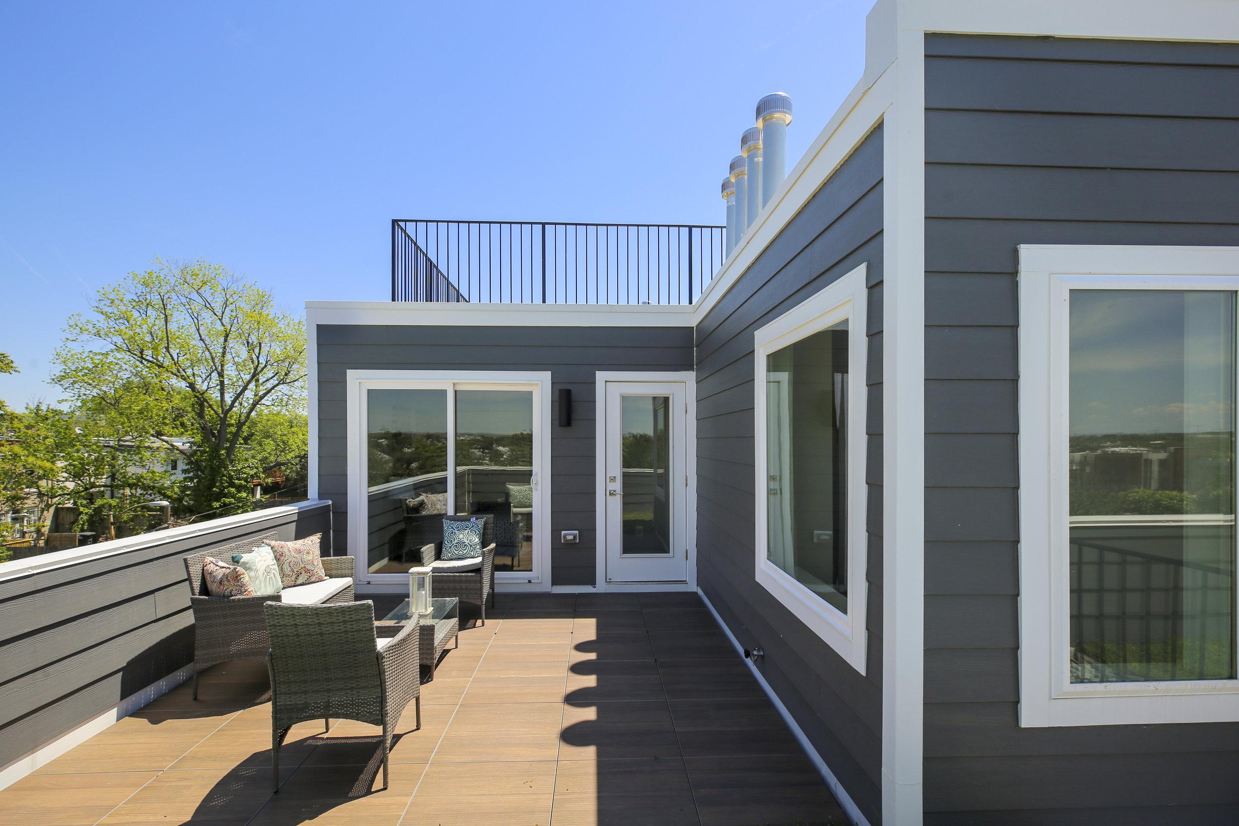 Upper Level-Terrace-IMG_0521.JPG