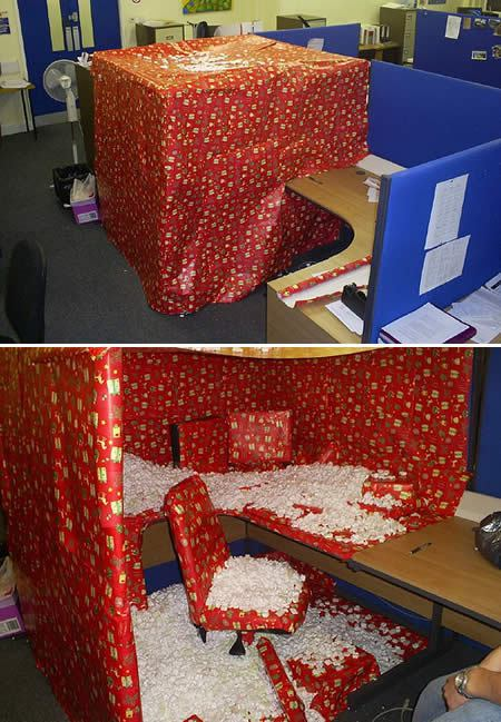 real-funny-xmas-prank-in-a-office-wrapping-paper.jpg