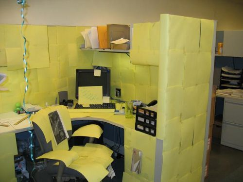 office-cubicle-practical-joke-lol.jpg