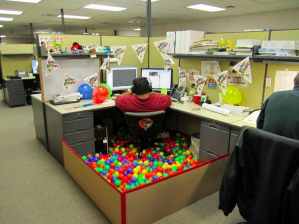 fun_cubicle.jpg