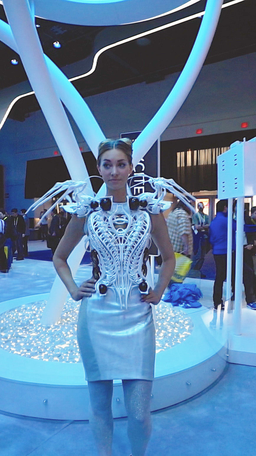 Anouk Wipprecht 3D Printed Edison Spider Dress.jpg