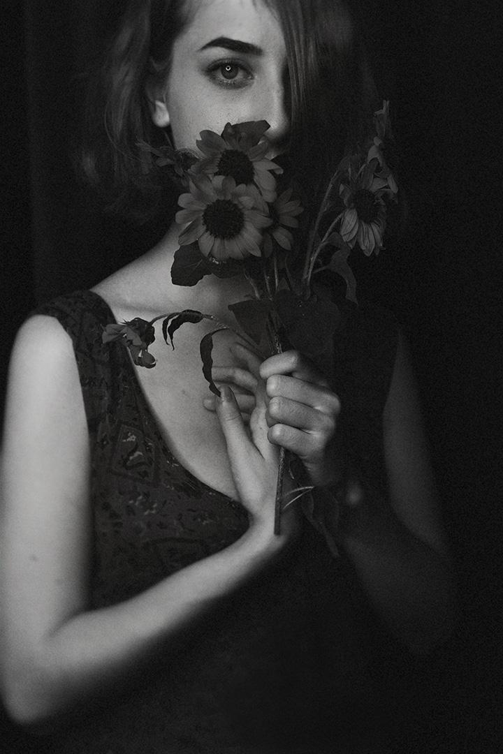 emme sunflowers 1 warm s.jpg