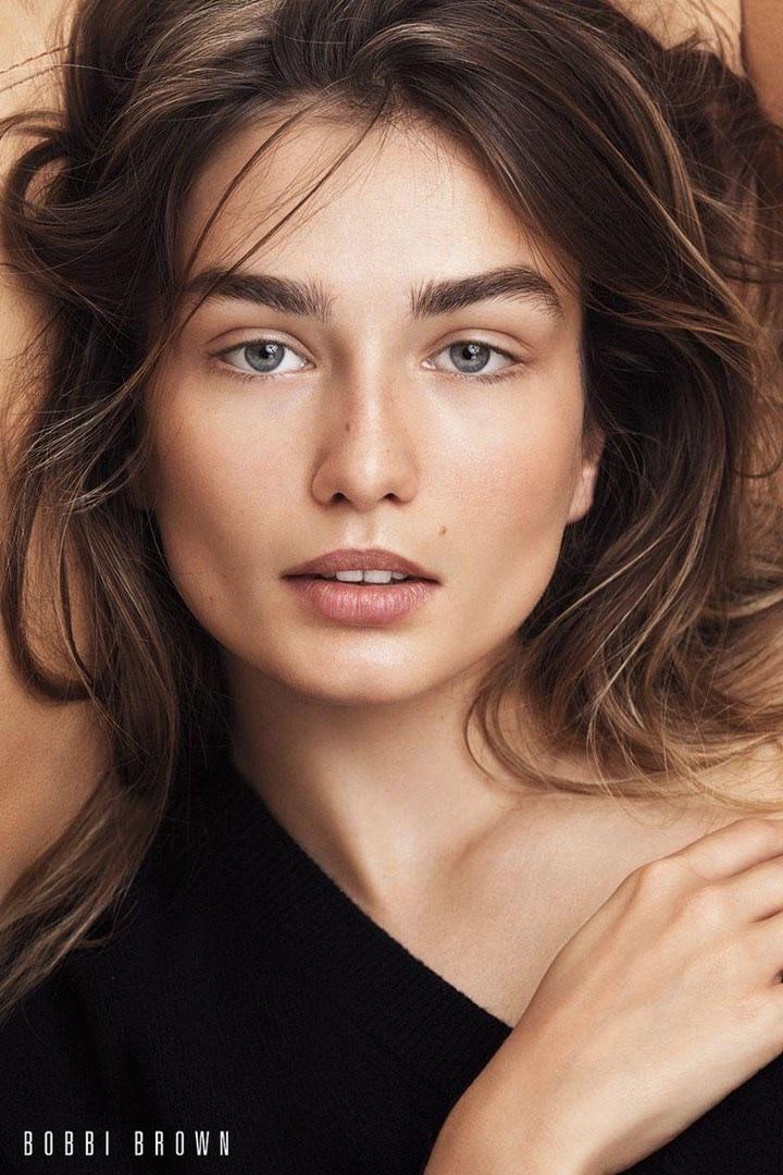 Bobbi-Brown-Cosmetics-Fall-2017-Campaign41174.jpg