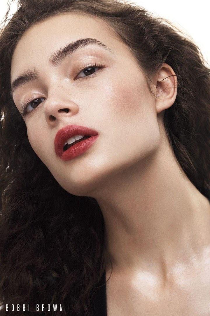 Bobbi-Brown-Cosmetics-Fall-2017-Campaign62911.jpg