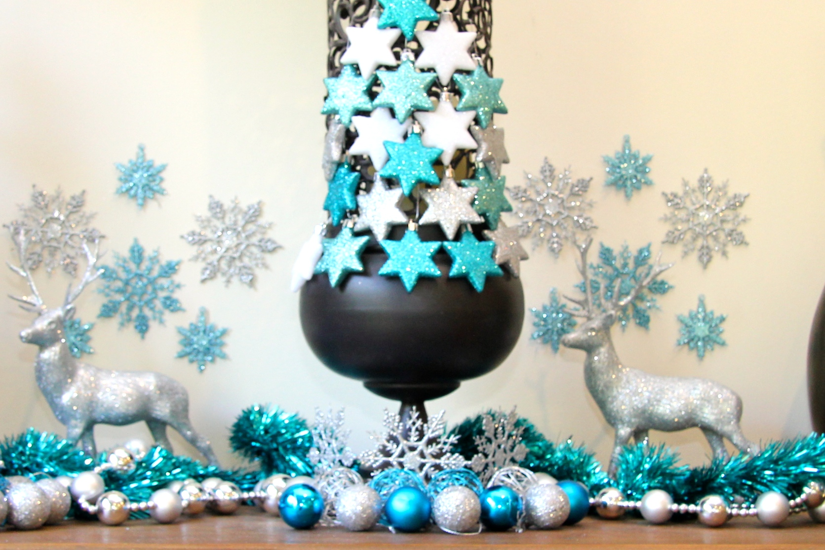 Dress a Candle holder with Christmas Cheer