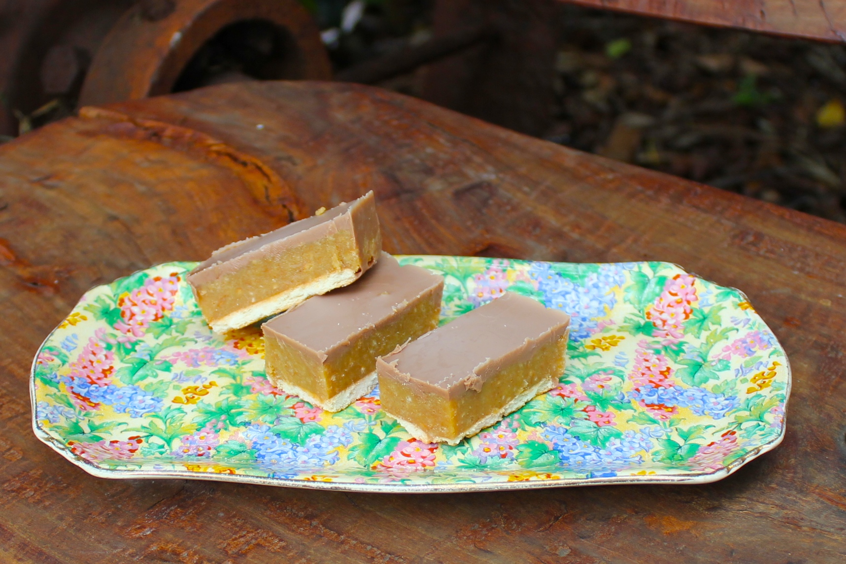 Quick and yummy Caramel Slice