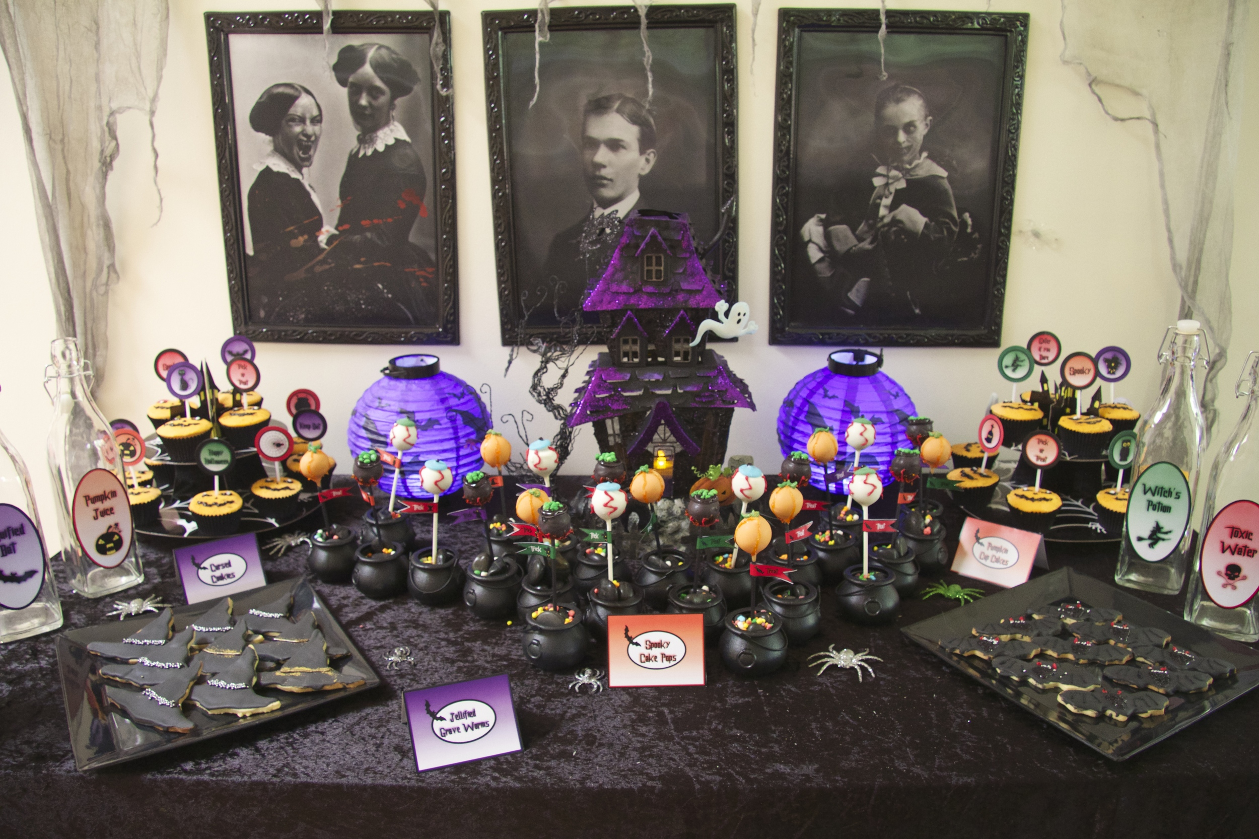 Halloween Candy Table Ideas.Halloween Dessert Table Chic Party Ideas