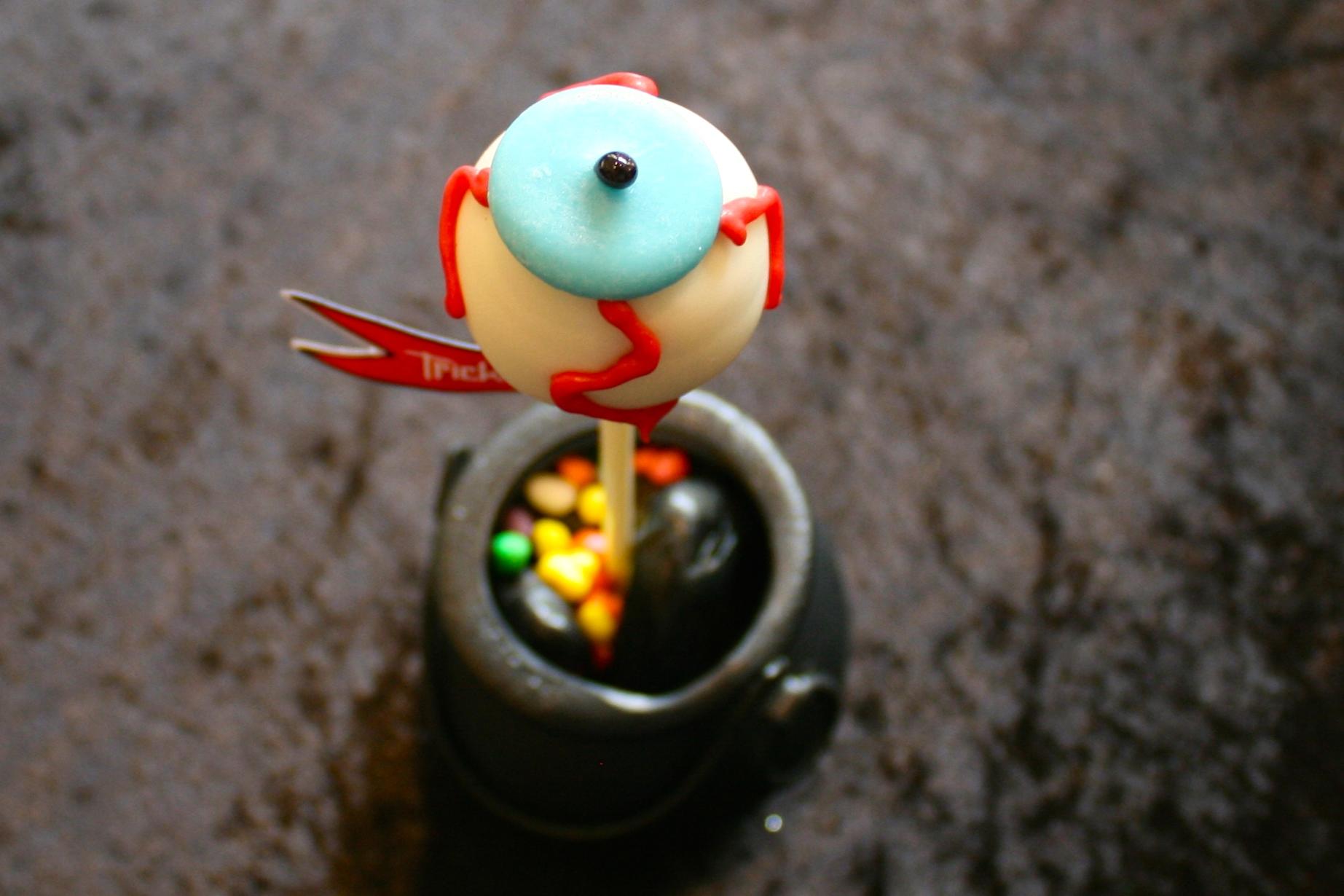 Halloween Eye Ball Cake Pop