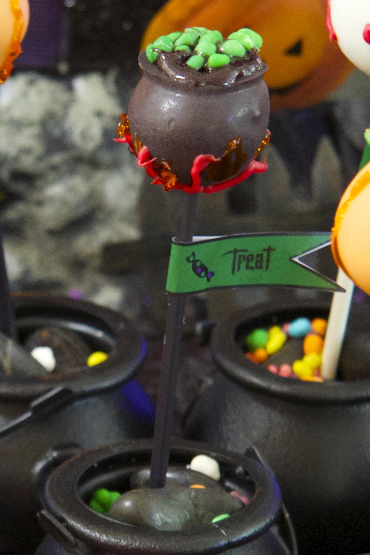 Halloween Cauldron Cake Pop