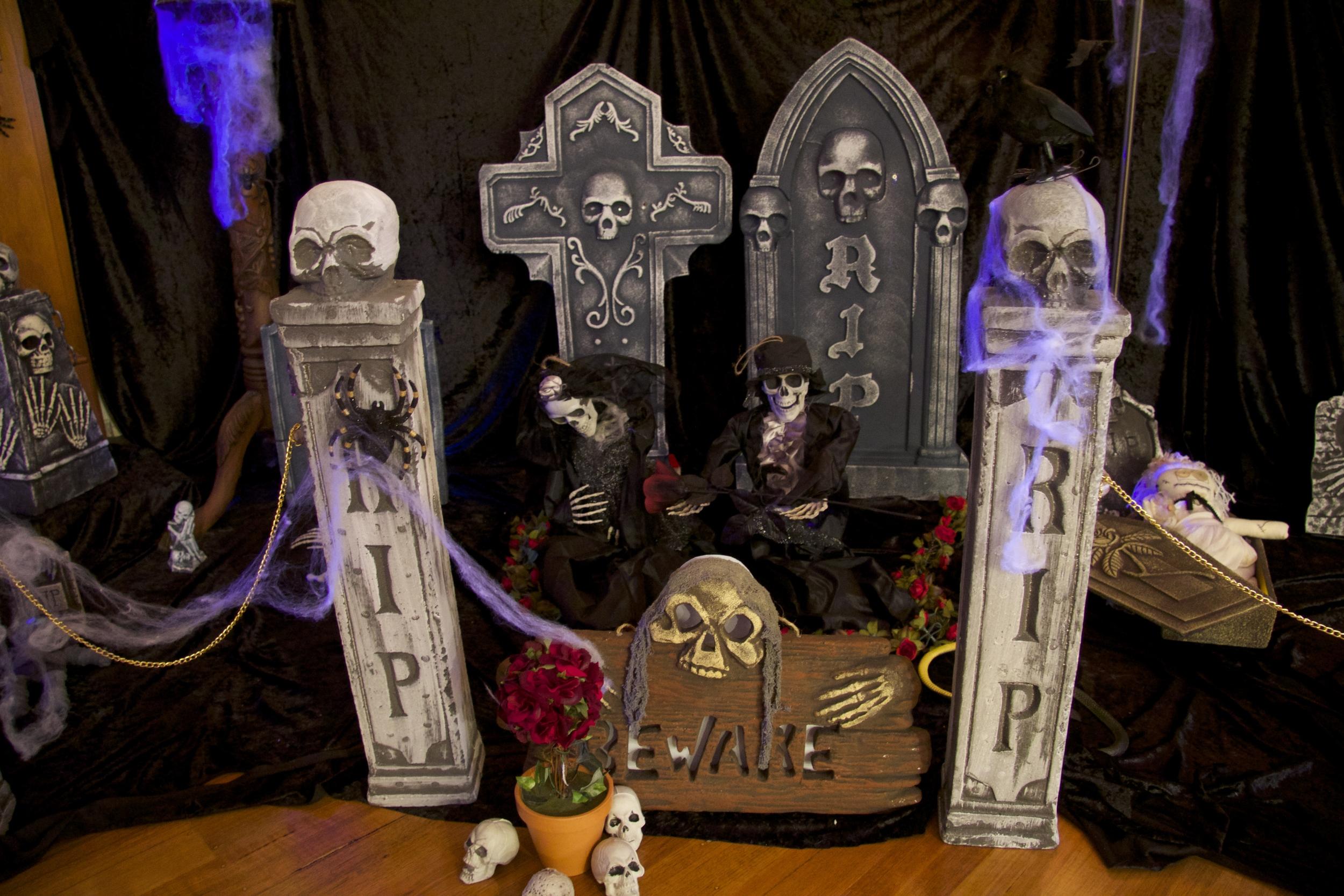 Halloween Indoor Graveyard