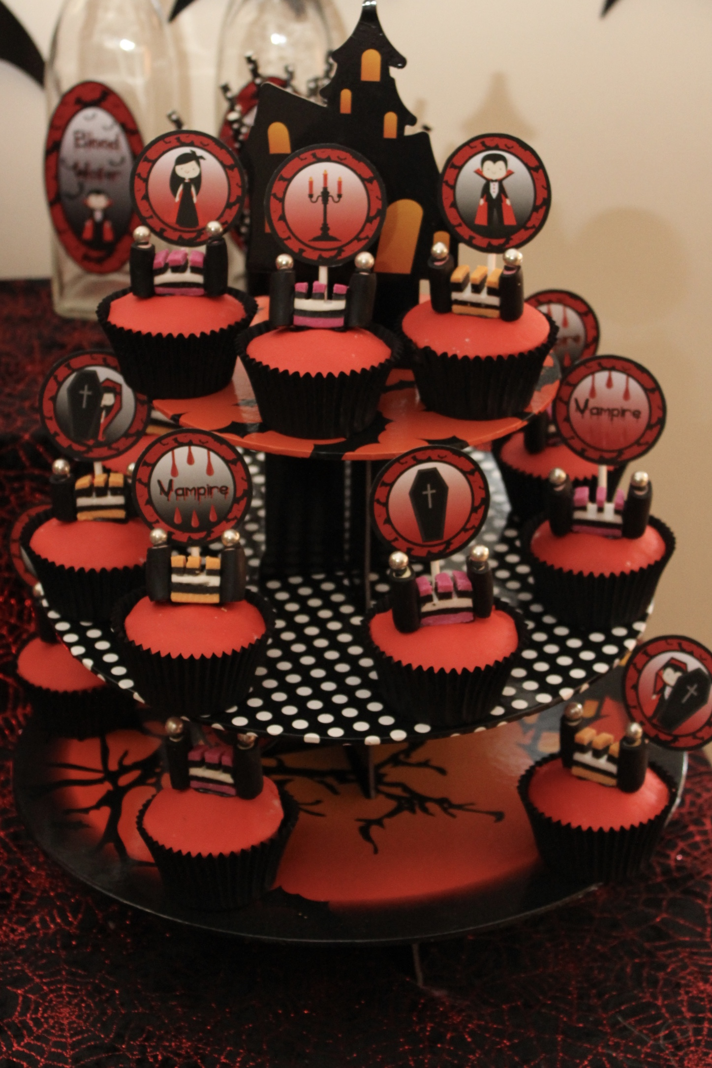 Castle Cup Cakes - Halloween Vampire Party