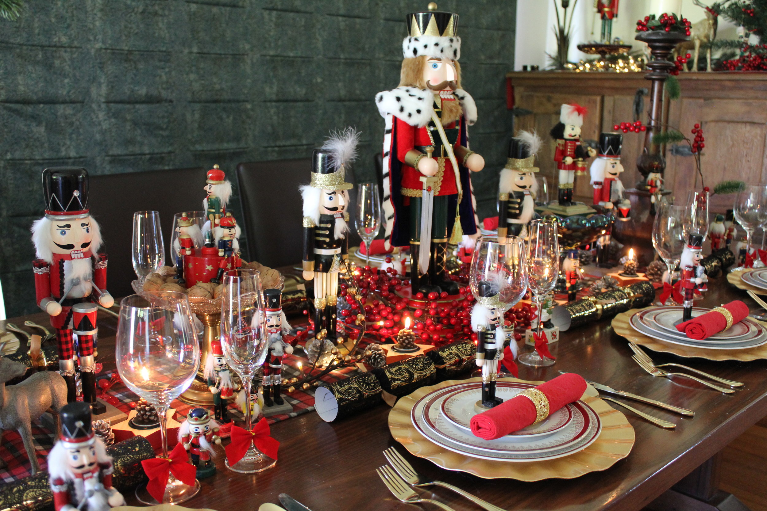 Nutcracker Christmas table idea