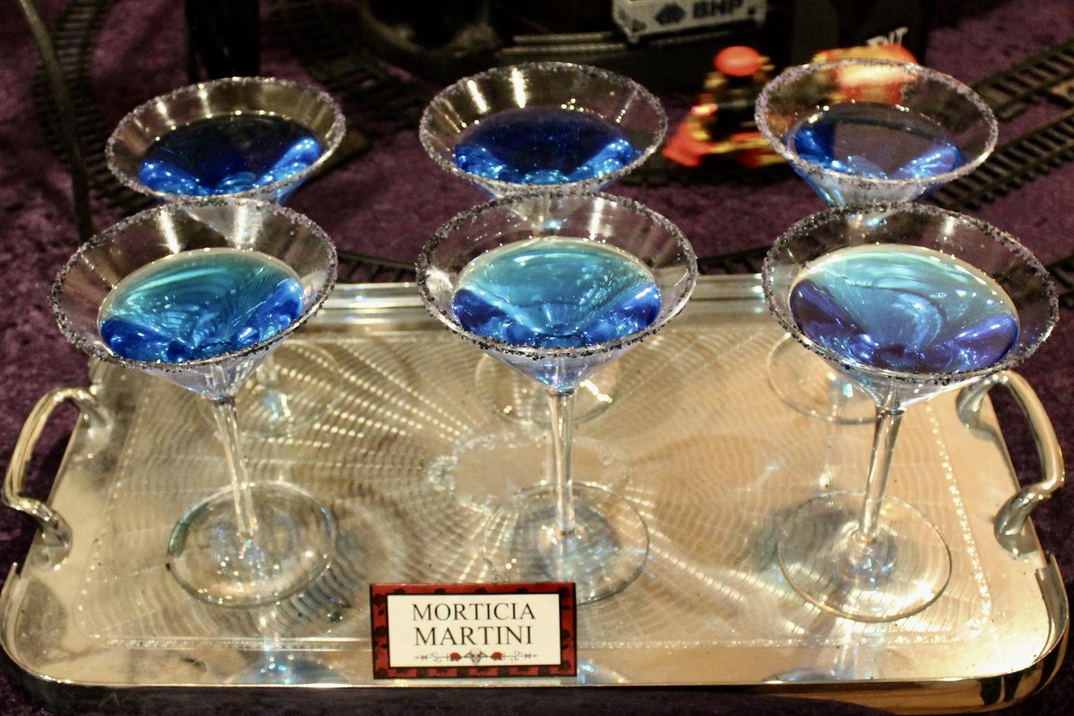 The Addams Family Party - Morticia Matrini