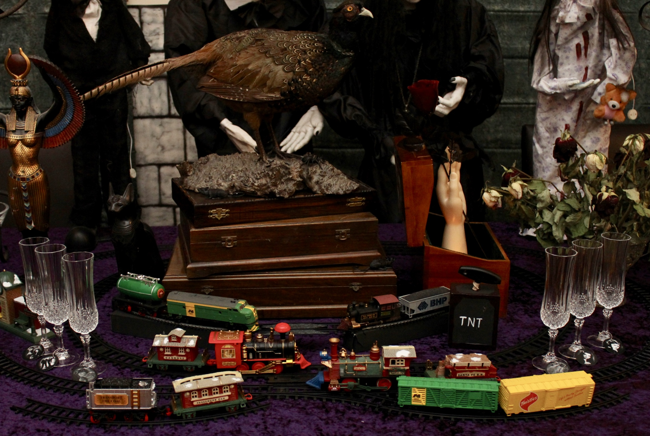 "The Addams Family, Gomez's Train Set and ""Thing"""