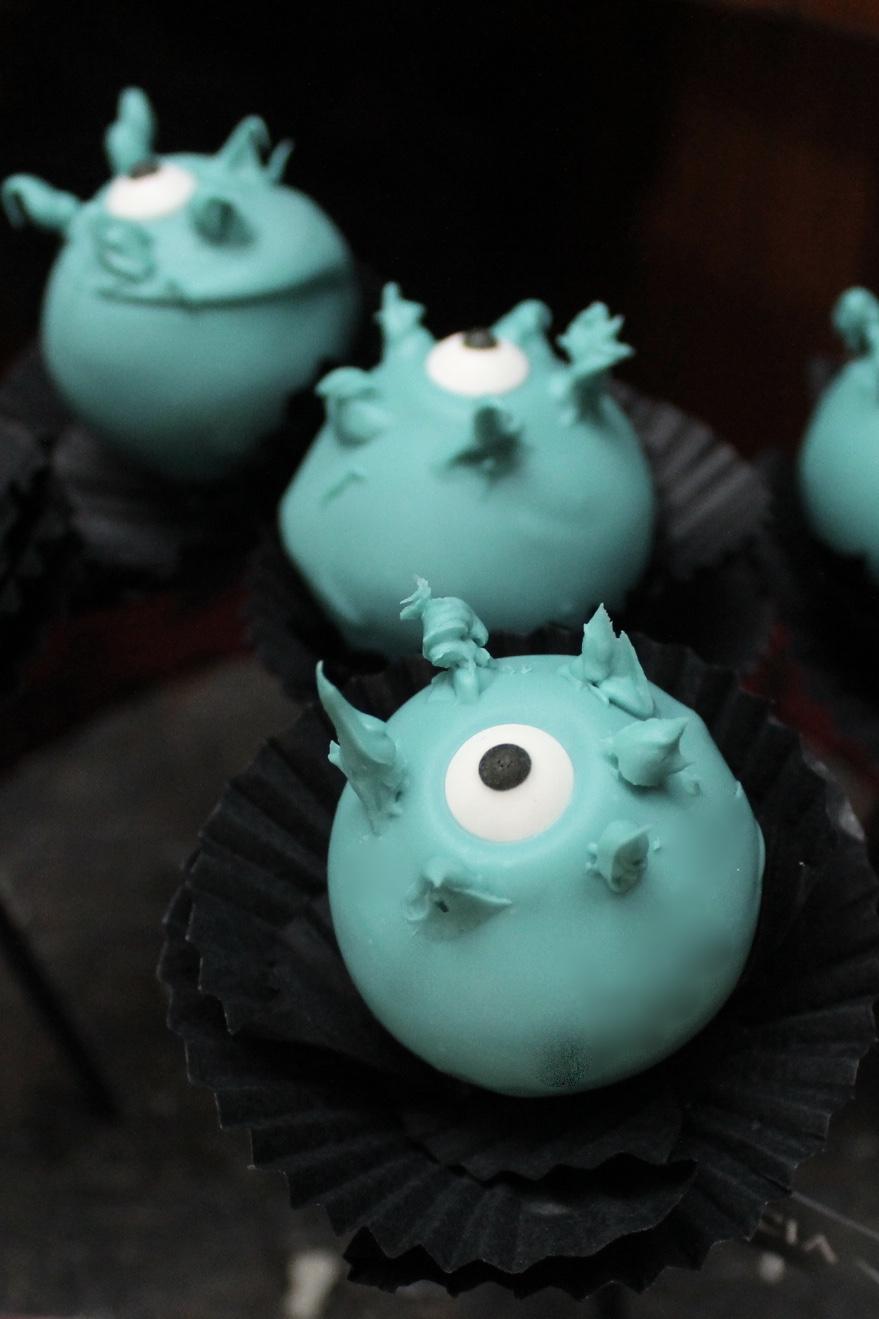 The Addams Family Cake Pops - Eye of Newt