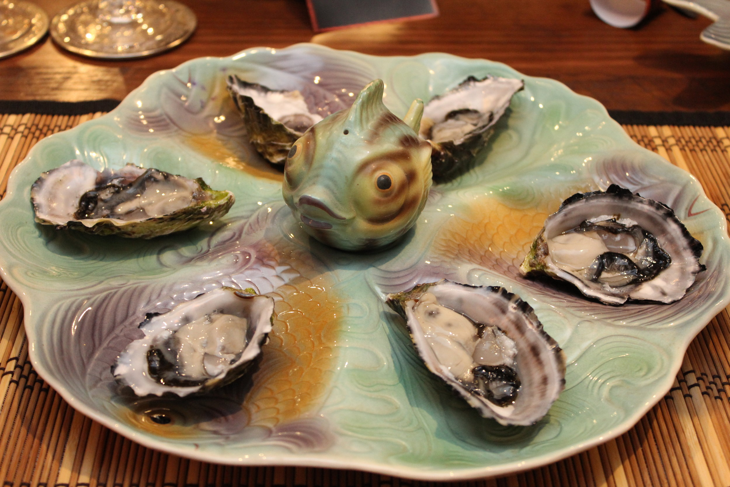 Shorter and Sons Oyster Plate with Salt Shaker