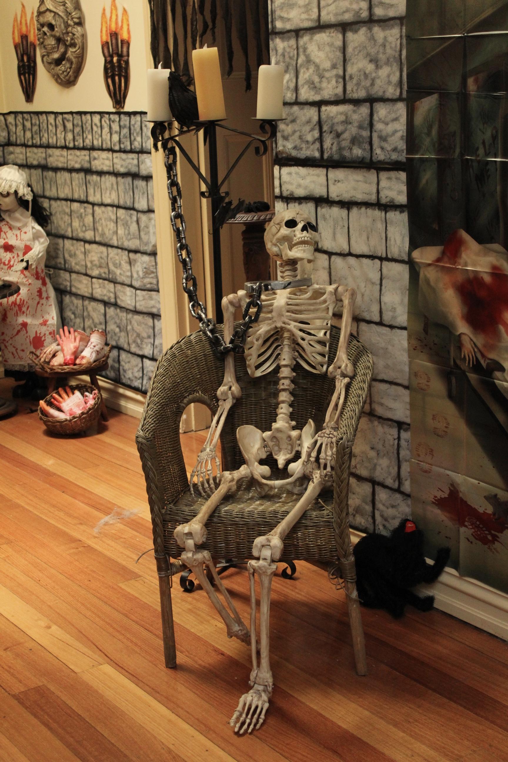 Halloween Asylum Decorating Ideas