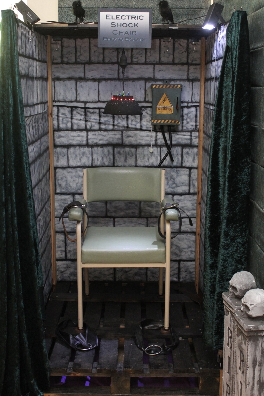 Halloween Electric Chair Tutorial