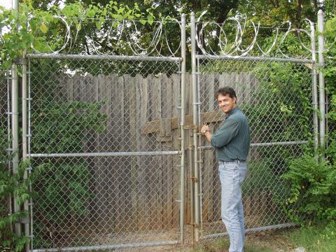 body-farm-gate.png
