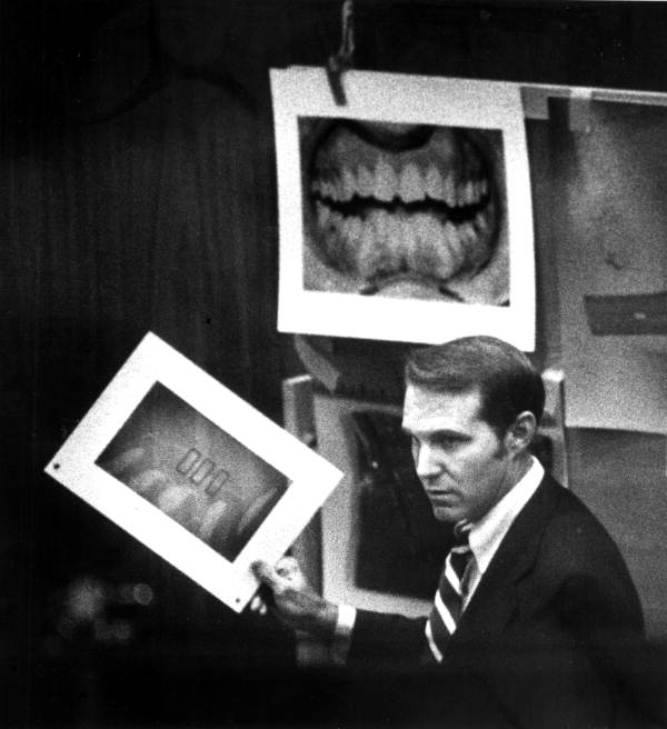 Odontologist Richard Souviron explaining bite mark evidence at the Chi Omega trial (State Archives of Florida).
