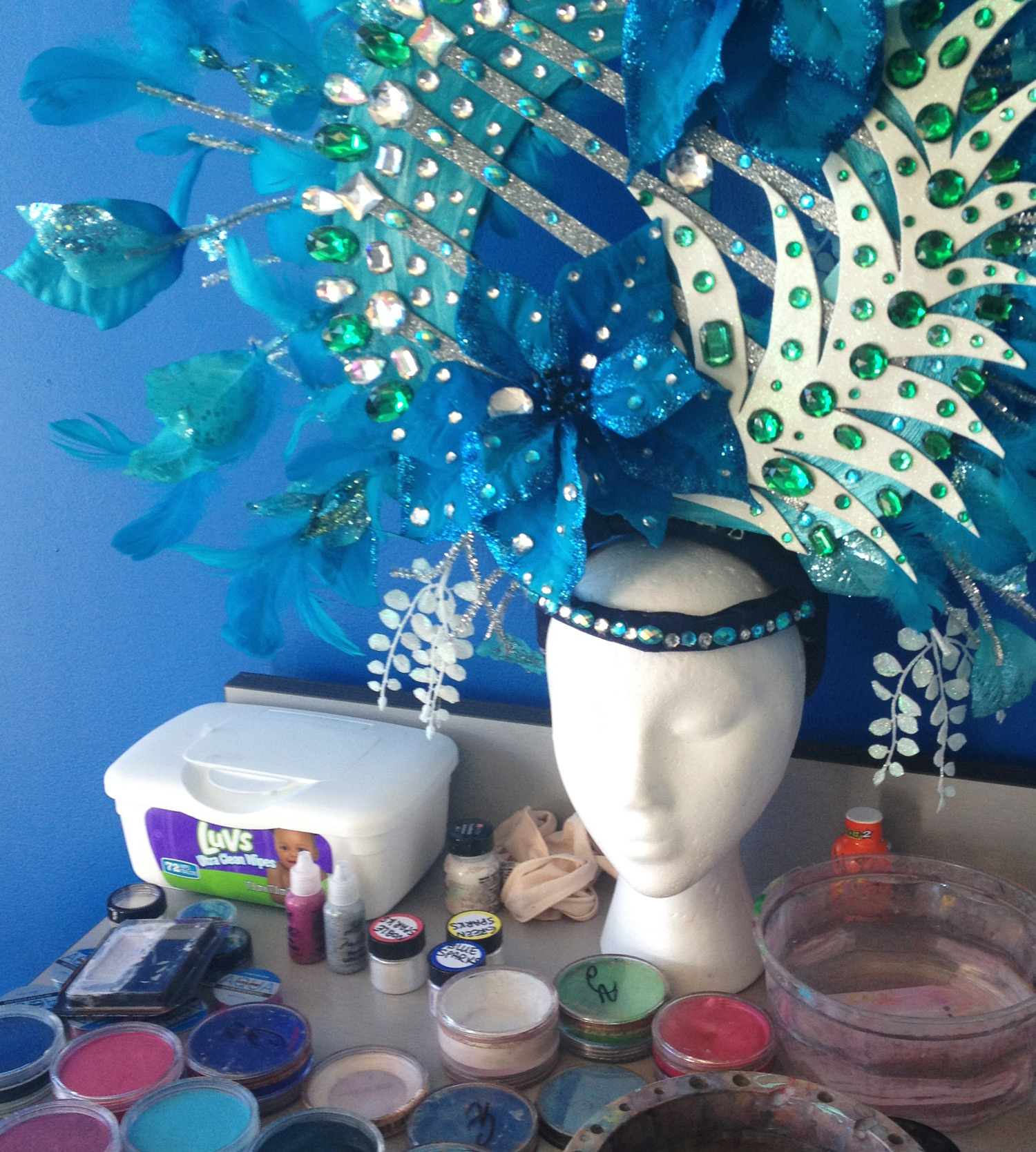 headdress-and-paints-before-brushes-body-and-beats-crop.jpg