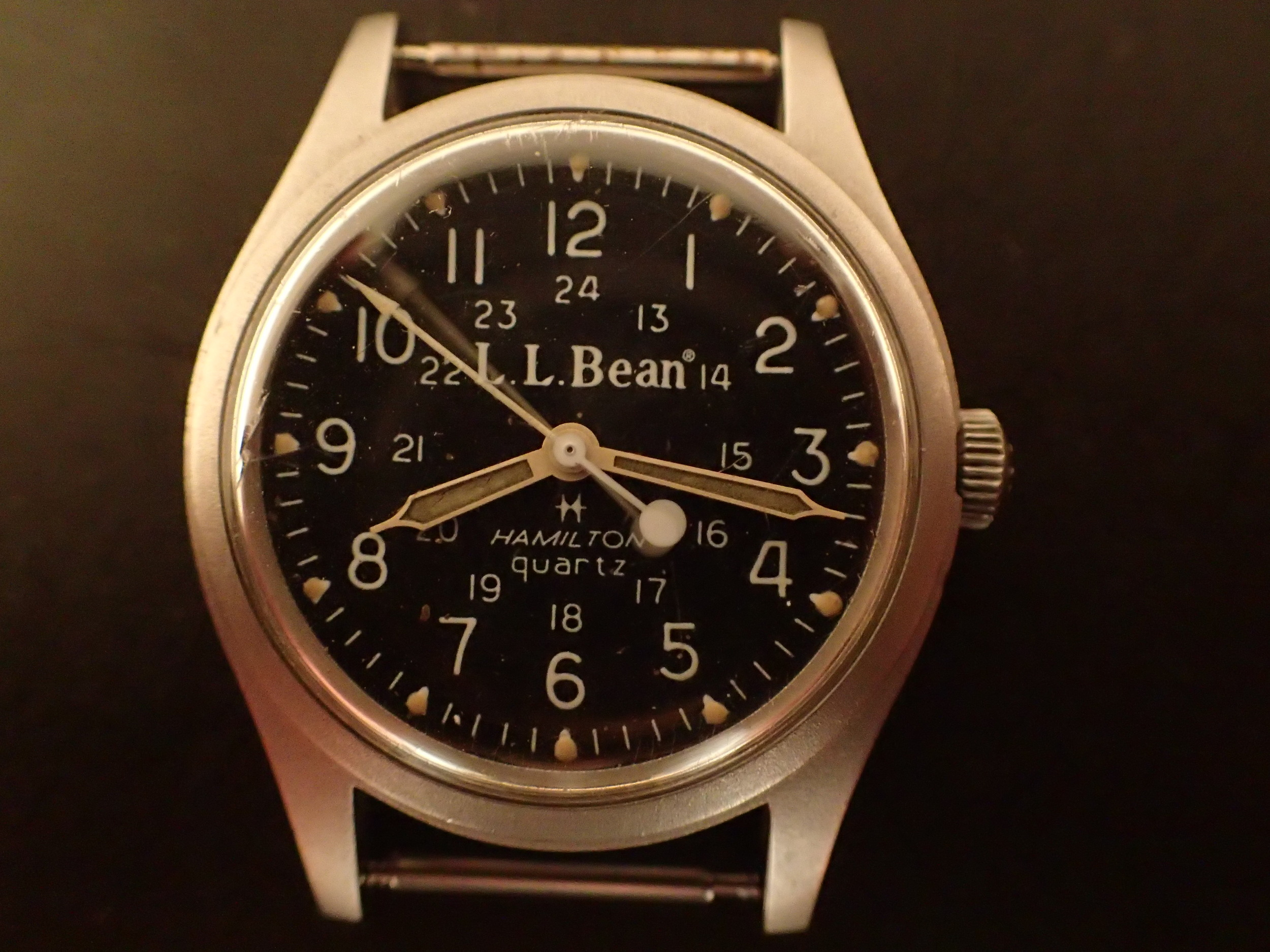 Hamilton/LL Bean quartz movement 9219.  My camera shutter caught the second hand changing.