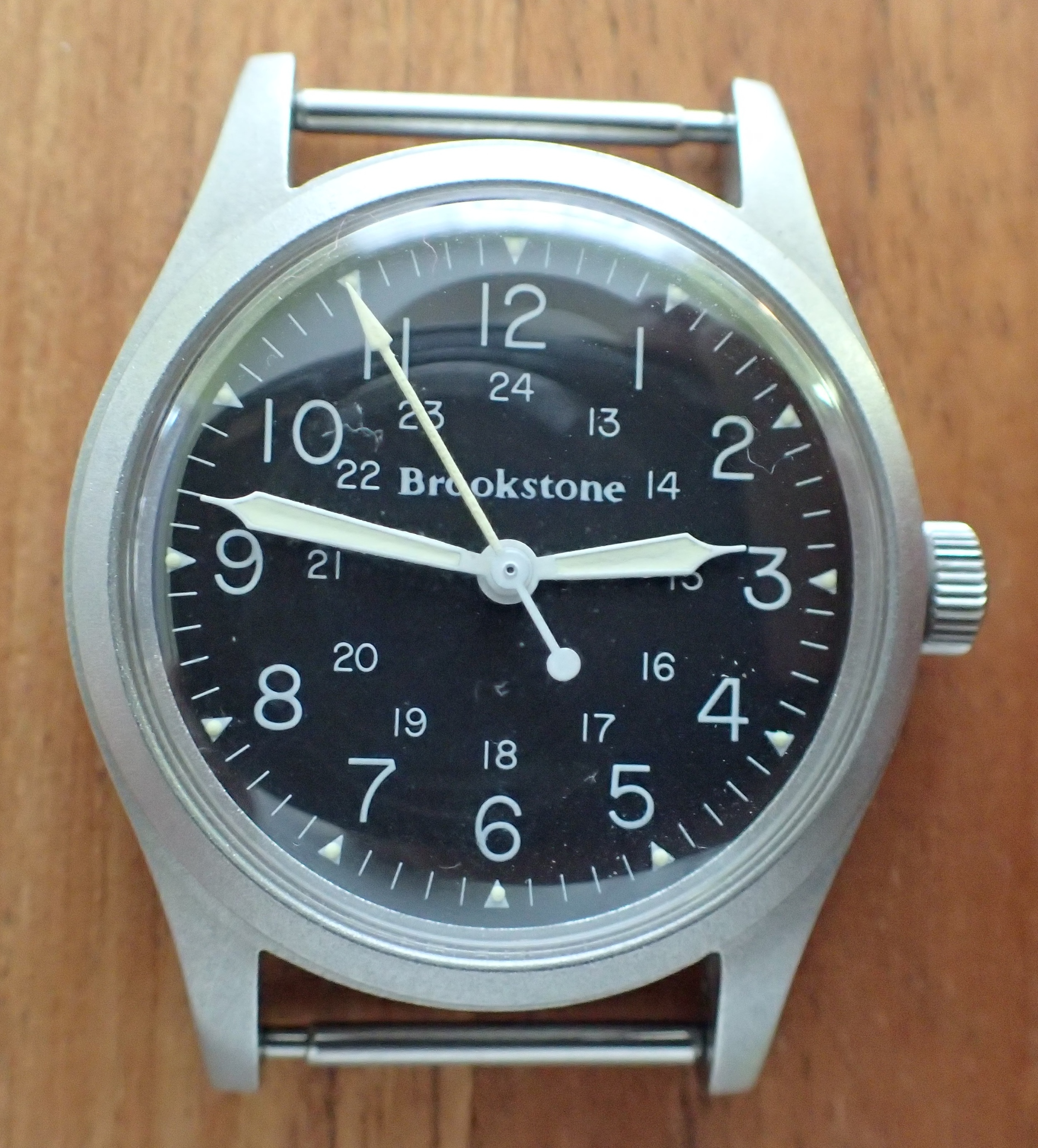 The elusive and uber-rare Hamilton Brookstone 9219.  Note the very thin font.