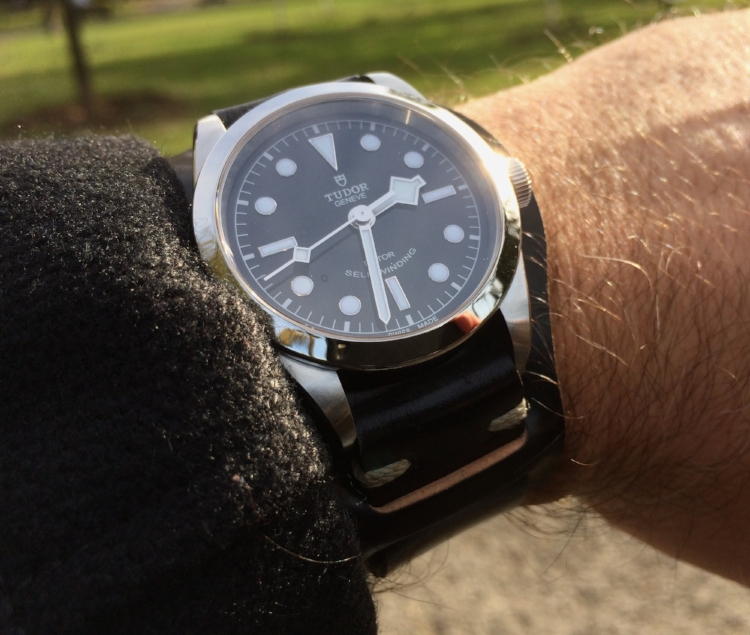 A Tudor Black Bay 36 on T-stitched two-piece and Bund pad in Black shell. A classic combo.