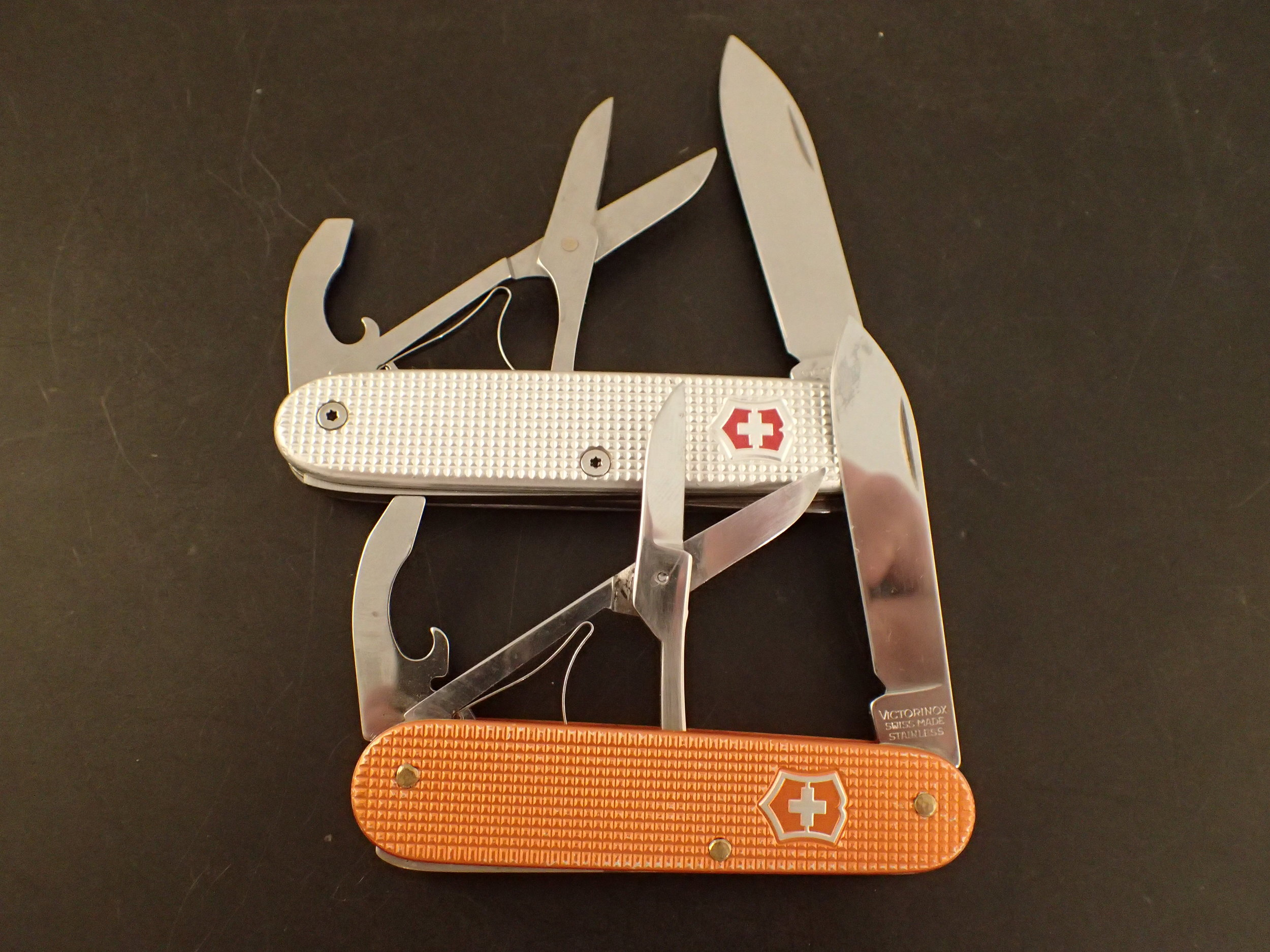 No frills. Two custom Voyageurs, a 93 mm (silver) and an 84 mm (orange), both perfectly illustrative of the 95% Rule.