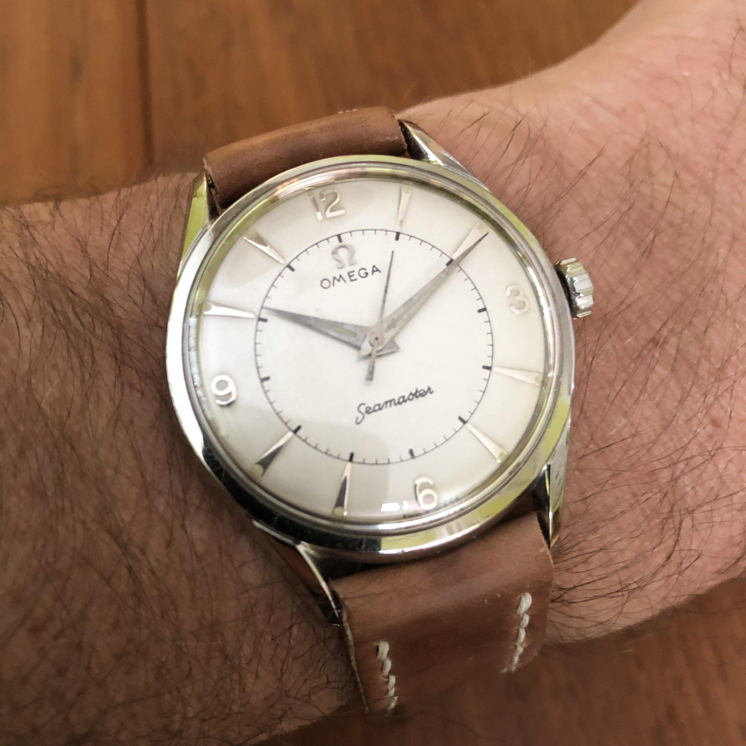 Case ref 6042 caliber 284 Omega wristwatch.