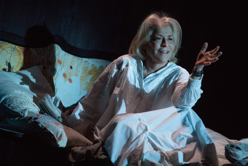Suzanne Bertish as Eleanor.