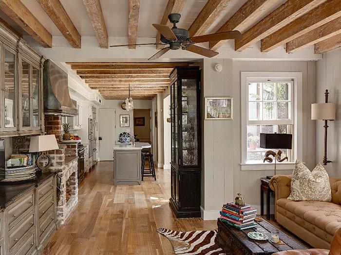 36c-kitchen-700x525.jpg