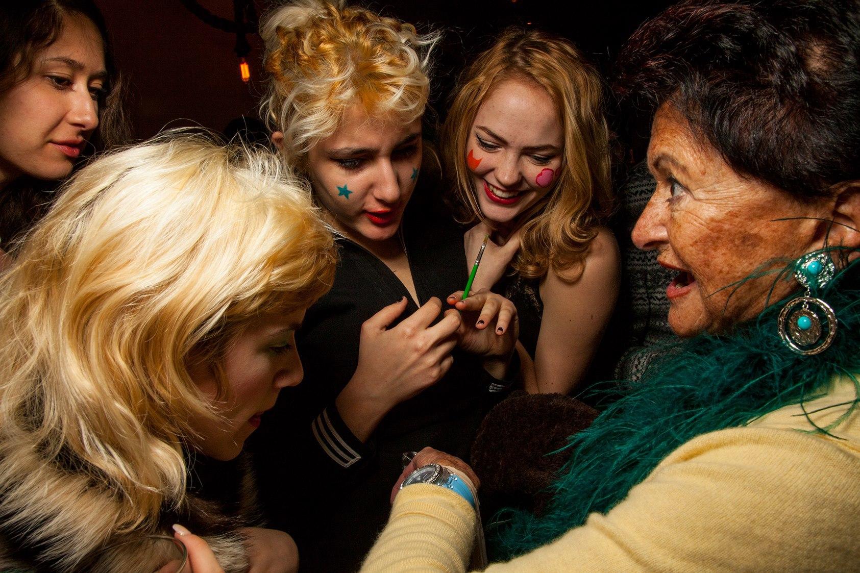 Doris Yaffe Shows off to the Girls
