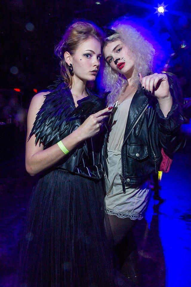 Jana and Tessa