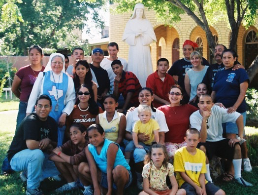 Cristo Rey youth with Sr. Guadalupe on a mission trip to Laredo. Jack and Yolanda are on the far right. There are some Cogdells in the picture as well.