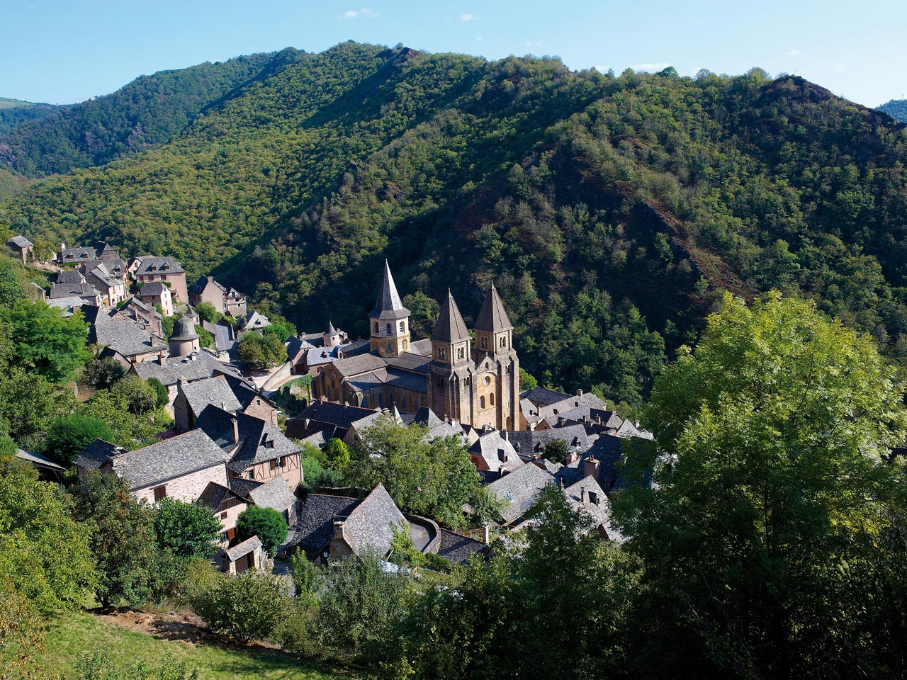 Conques—a UNESCO site—a definite highlight on the Camino and where Véronique picked up David to share a few days touring with Wendy