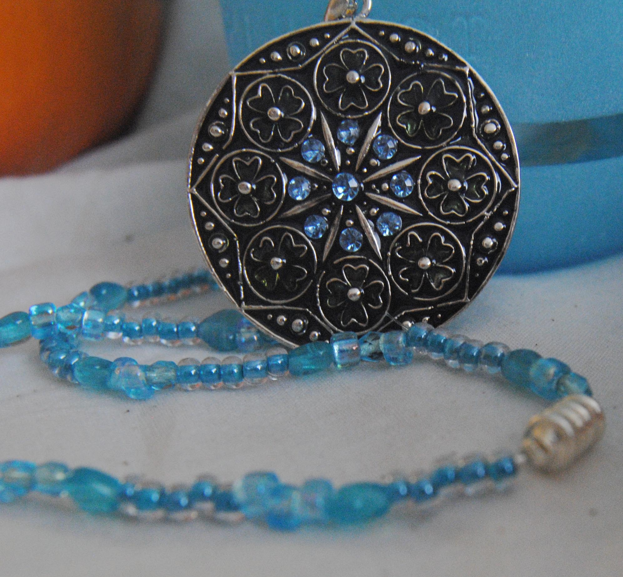 necklace_pendant_blue.jpg